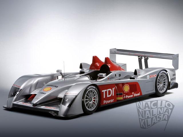 Audi R10 - bok