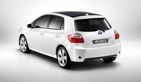 Zvanično: Toyota Auris HSD koncept