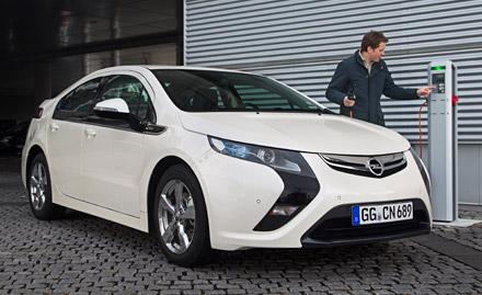 Opel CEO Reilly dovezao Amperu na ženevski salon