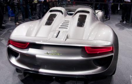 Izveštaj iz Ženeve: Porsche štand krcat iznenađenjima