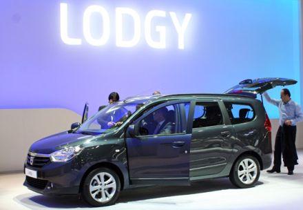 Ženeva: Dacia Lodgy