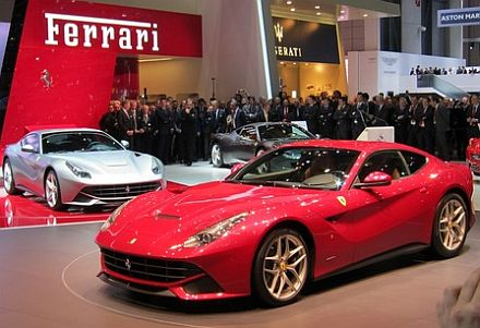 Ženeva: Ferrari F12 Berlinetta
