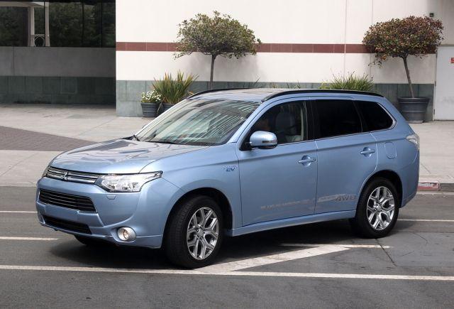 Mitsubishi Outlander PHEV prodat u 33.000 primeraka