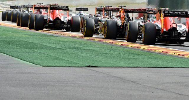F1: Prekasno za tri bolida po timu za 2015. godinu