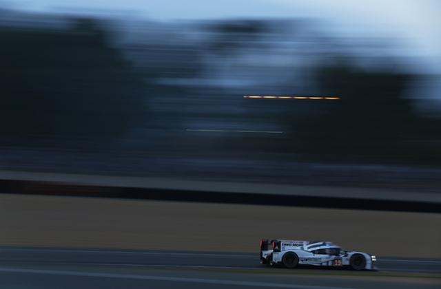 Le Mans: Porše dočekao jutro na prvom mestu