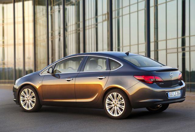 Opel: Sajamska akcija za Corsa, Astra Sedan i Crossland X
