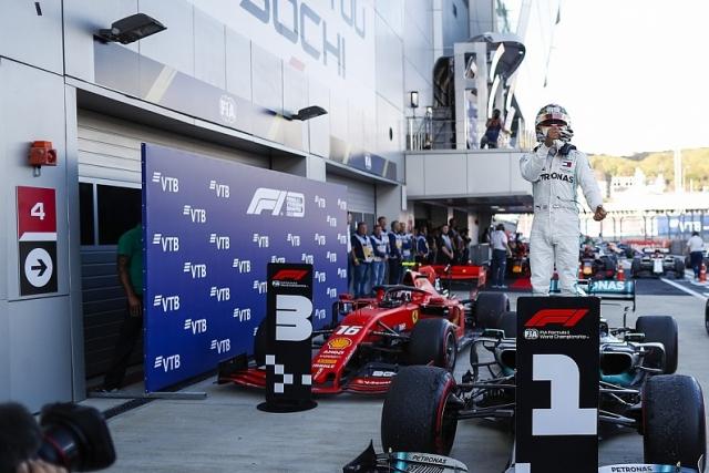 F1: Hamilton pobednik u Rusiji, fijasko Ferarija