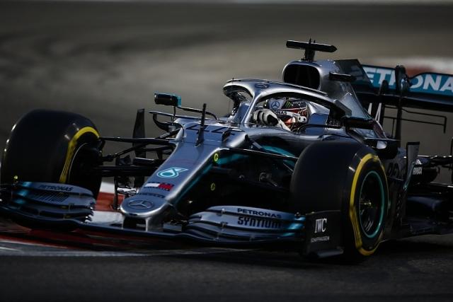 F1: Hamiltonu pol pozicija za poslednju trku sezone
