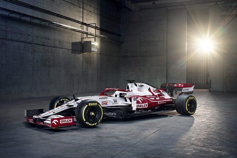 F1: Alfa pokazala C41