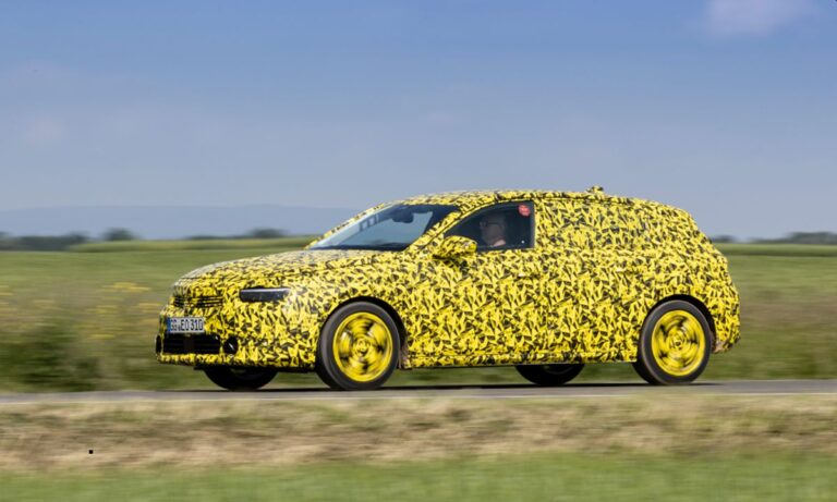 Opel prikazao novu Astru – sa kamuflažom