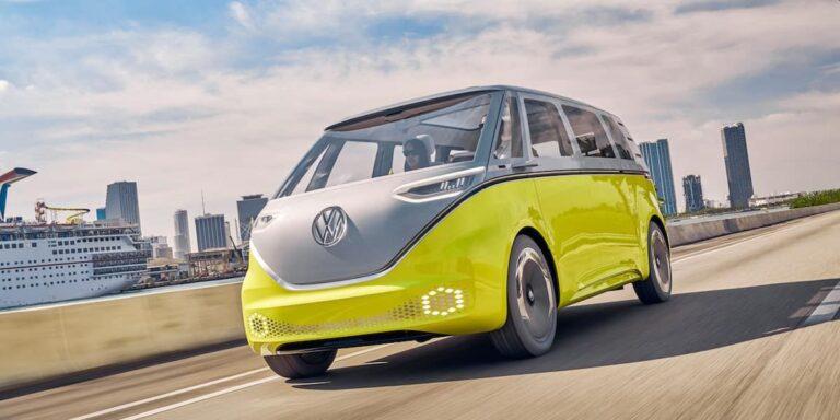 Tri verzije Volkswagen ID Buzz kombija