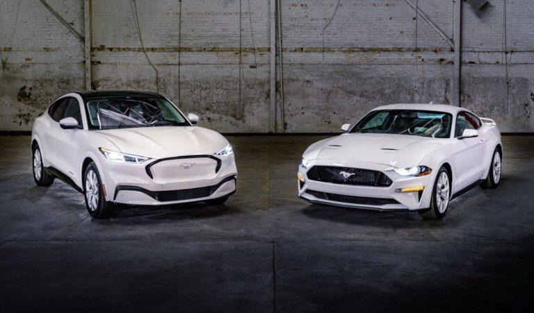 Beli stilski paket za Ford Mustang i Mach E