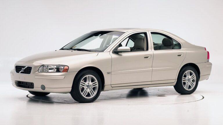 Volvo opozvao 460.000 automobila zbog vazdušnih jastuka